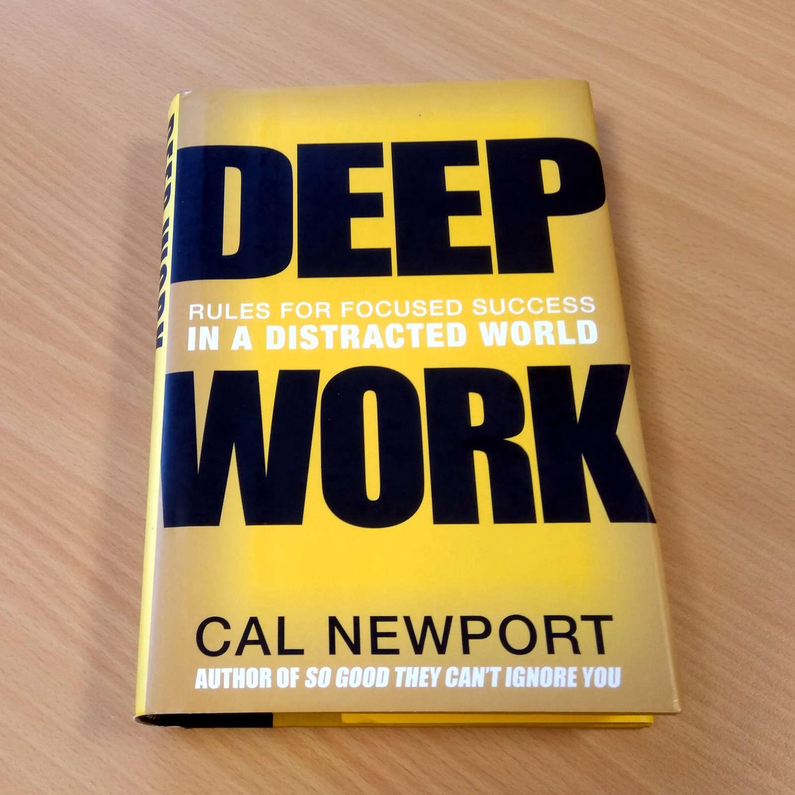 V češtině vyšla kniha pod názvem Hluboká práce: Pravidla pro soustředěný úspěch v roztěkaném světě. Dílo si můžete poslechnout jako audio i stáhnout jako e-knihu.
